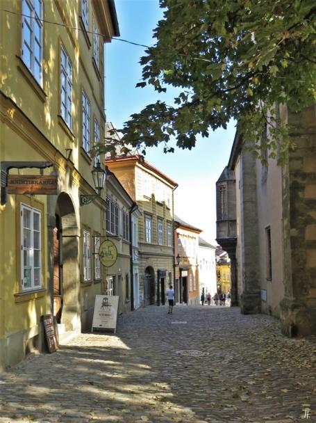 2019-10-13 Tschechien Kutná Hora Barborská (11) Beginn des Altstadt-Teils der Strasse