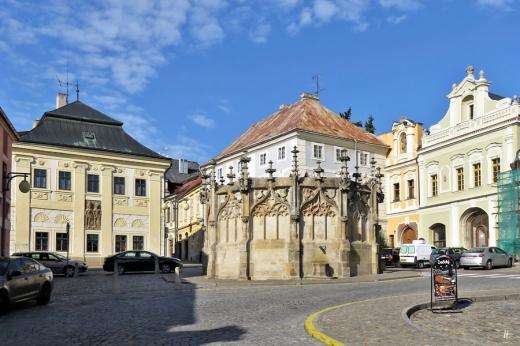 2019-10-13 Tschechien Kutná Hora Rejskova (1) Rejskově náměstí mit Steinernem Brunnen (Kamenná kašna)