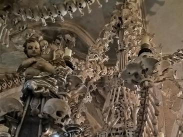 2019-10-13 Tschechien Kutná Hora, Sedlec (17) Beinhaus d. Friedhofskirche