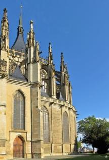 2019-10-13 Tschechien Kutná Hora St. Barbara-Kathedrale (14) Südostseite der Apsis