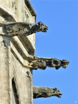 2019-10-13 Tschechien Kutná Hora St. Barbara-Kathedrale (15) Wasserspeier a.d. Nordost-Seite der Apsis