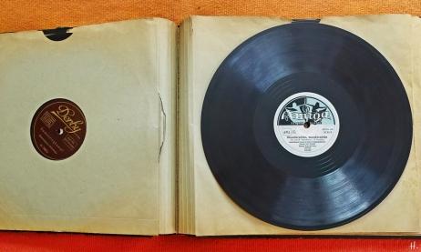 2021-06-21 LüchowSss zuhause Platten-Album 78er Schallplatten Damenringkampf + Wunderschön